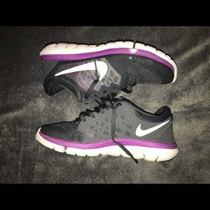 Nike Flex 2015 Run sneakers women's size 7.5